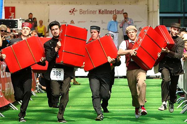carrera de maletas