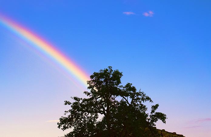 Arco iris espectro colores cielo