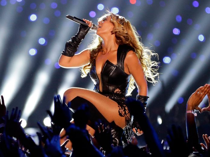 Beyonce canta en español