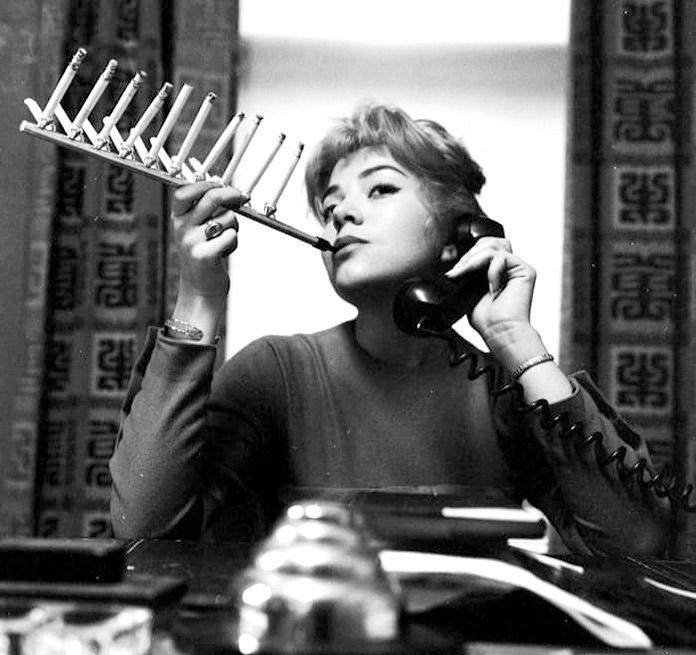 Boquilla para fumar un paquete de cigarrillos entero a la vez.