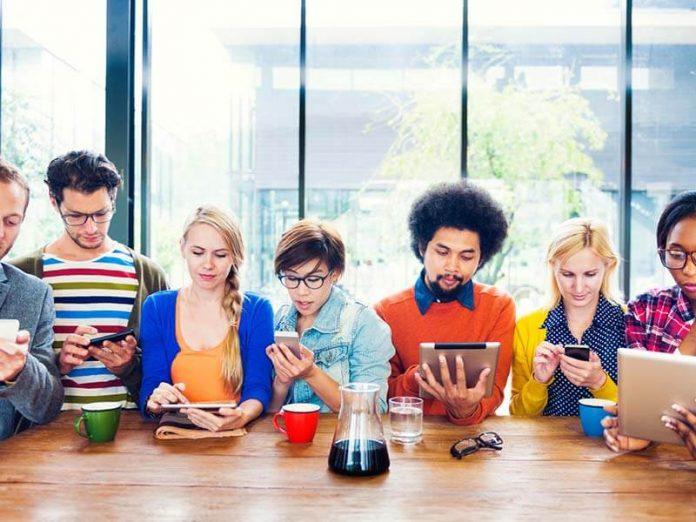 Las redes sociales influyen en nuestras opiniones