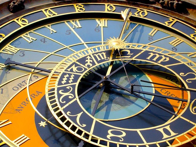 Reloj astronómico años bisiestos